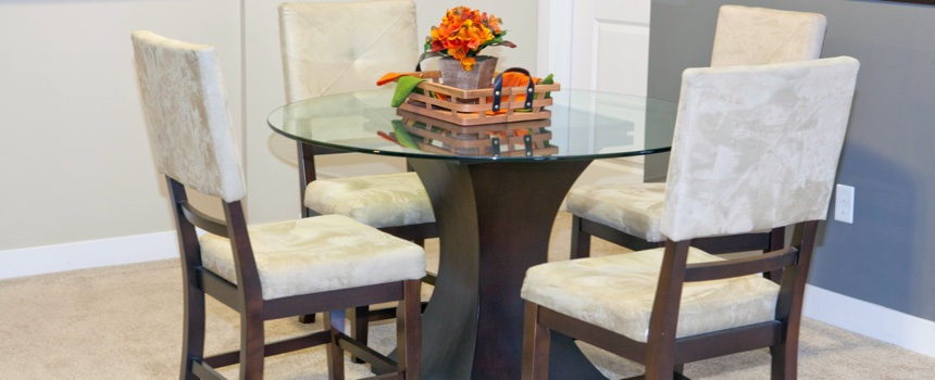 The Legacy Towns and Flats in Carmel model dining area